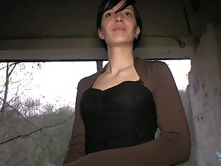 Amateur girl met in a park is ready to fuck for some extra money